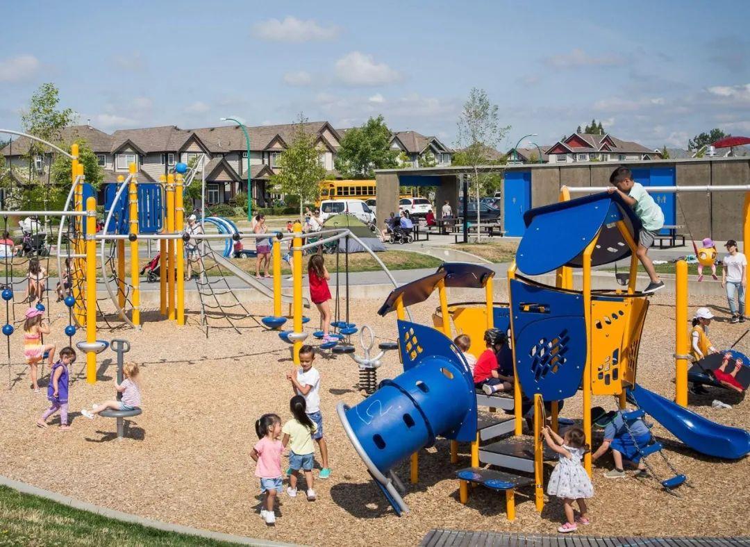 起价低至$29.99万,仅需10%定金,入住带全新中小学的大型小区